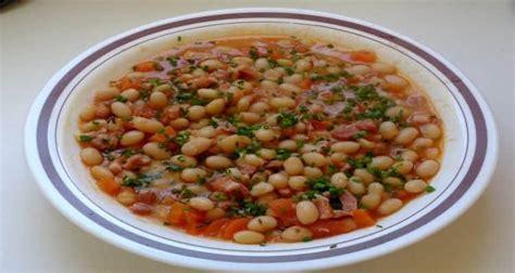 cuisine haricot blanc réussir les haricots blancs frais tomate lardons bouillon