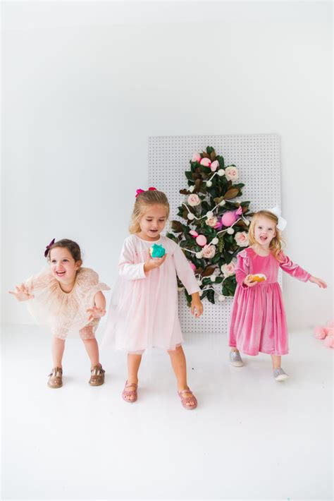 throw  perfect kids christmas party  cuteness