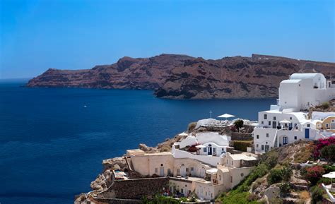 greece weather climate june santorini temperature immerse artistic yourself community forecast current travel oia table
