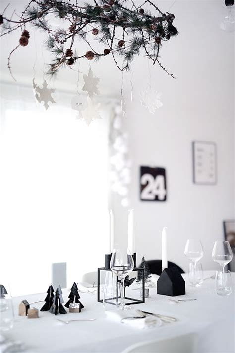 modern black  white christmas decor ideas digsdigs