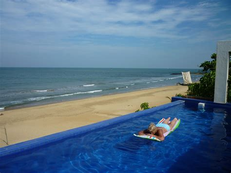 Catamaran Beach Hotel Agoda by Deals On Cove Beach Villa In Negombo Promotional Room Prices