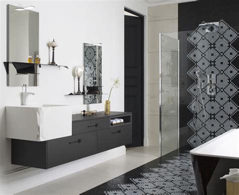 salle de bains raffinement en noir et blanc styles de bain