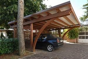 Was Ist Ein Carport : carport aus dunklem holz ein carport bedeutet schutz f r das auto wer nicht direkt eine garage ~ Buech-reservation.com Haus und Dekorationen