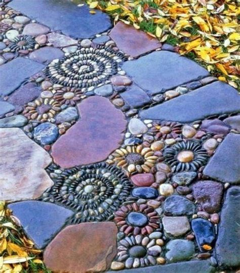 Bunte Trittsteine Fuer Den Garten Herstellen Mit Mosaik Steinchen Und Beton by Die 25 Besten Ideen Zu Garten Trittsteine Auf