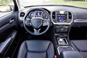 2017 Chrysler 300 Awd Limited