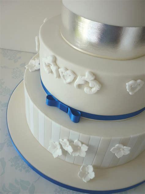 ivory royal blue wedding cake cakecentralcom