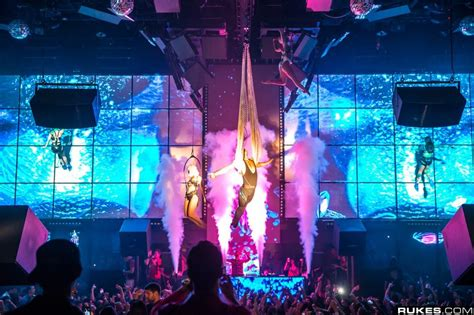 the light las vegas light nightclub at mandalay bay electronic vegas