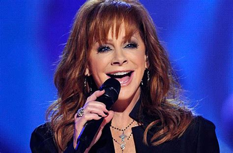 reba mcentire singing reba mcentire sings new song when love gets a hold of you