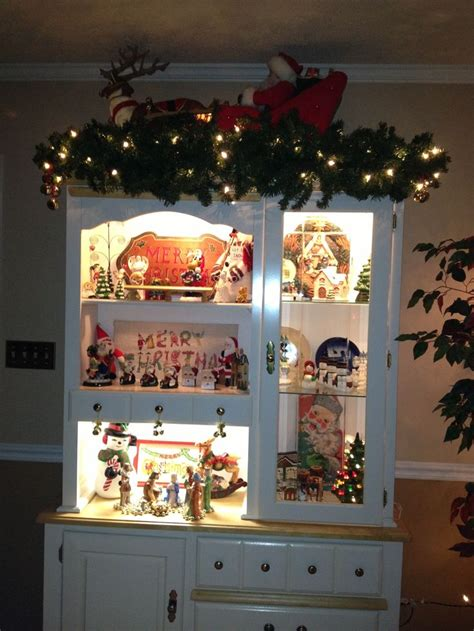 images  christmas hutch displays  pinterest