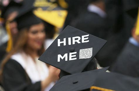 Fresh Graduates Employment by Majors This Is How To Graduate With A Wsj