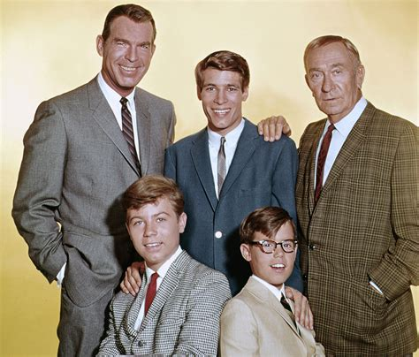 Don Grady, Who Played Robbie On 'my Three Sons,' Dies At