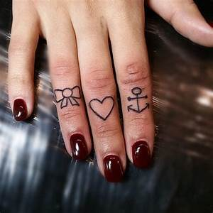 Finger Tattoo Herz : de i ik ekillerde tasarlanm 62 kalp d vmesi d vme ke fet ~ Frokenaadalensverden.com Haus und Dekorationen