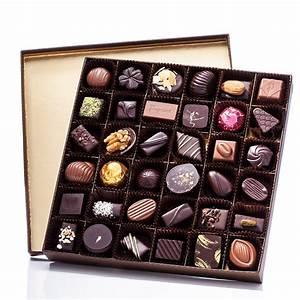 SQUARE BOX OF CHOCOLATES 450 G - Puyricard.fr
