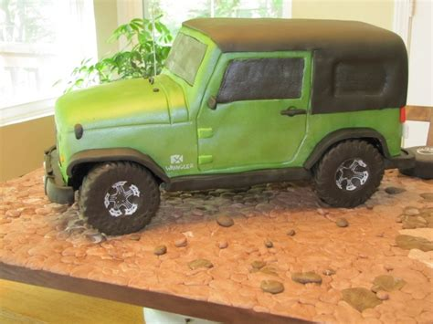 jeep cupcake cake i 39 m so getting this grooms cake made for my hubby for our