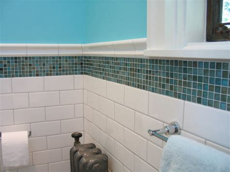 easy blue and white bathroom decorating feature white