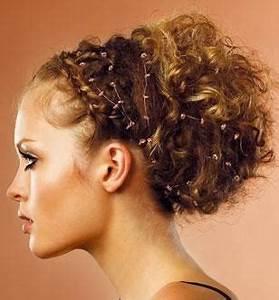 Coiffure Cheveux Courts Bouclés : coiffure cheveux boucl s attach s femme cheveux mi longs sur ~ Melissatoandfro.com Idées de Décoration