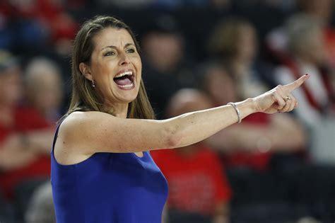 dukes joanne p mccallie resigns  womens basketball