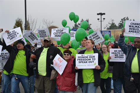 walmart sues groups  protesting  poor working conditions