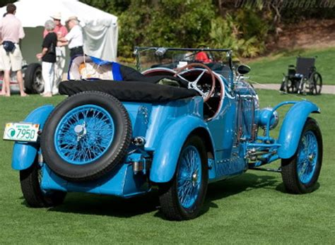 Preferences among the driving clientele leaned toward more comfortable, luxurious and thereby heavier coachwork. automobileweb - bugatti type 44 roadster william binnie 441235