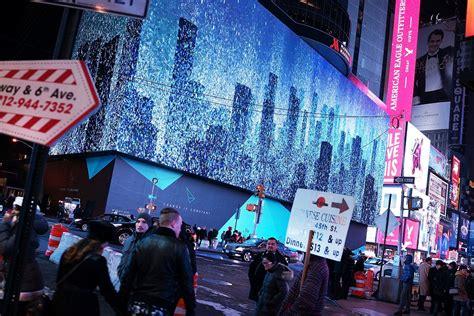 Times Square Billboard Live yorks times square lit   huge digital billboard 960 x 640 · jpeg