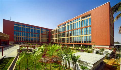 huawei opens   center  bangalore  investing