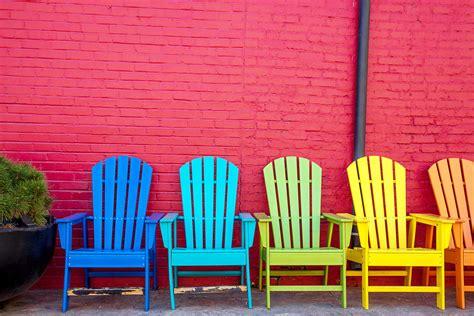 peindre chaise en bois peindre une chaise en bois