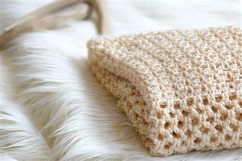 easy crochet how to crochet an easy mesh stitch mama in a stitch