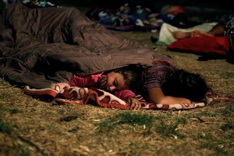 kos earthquake aftershock fears  hundreds  sleep