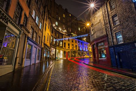 victoria street lights  night  town edinburgh scot