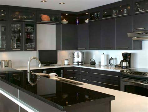 comptoir de cuisine noir cuisine cuisine blanc comptoir noir 1000 idées sur la décoration et cadeaux de maison et de