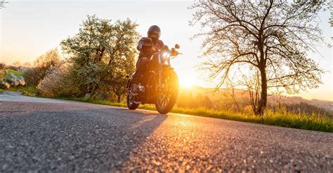 tips  riding  motorcycle   wind american