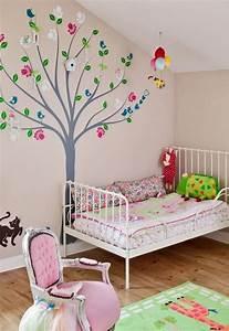 Flieder Farbe Wand : wandgestaltung kinderzimmer mit farbe ~ Markanthonyermac.com Haus und Dekorationen