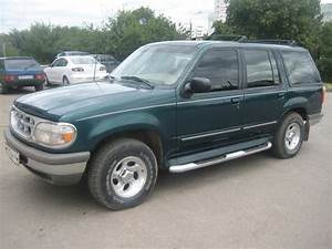 1995 Ford Explorer - Information And Photos