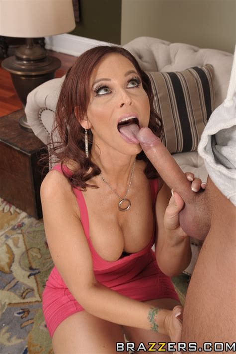 syren de mer crave for a big salami milf fox