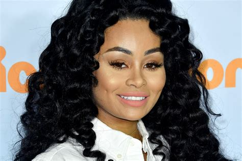 Watch Blac Chyna Show Off Her New Piercings And Teeth