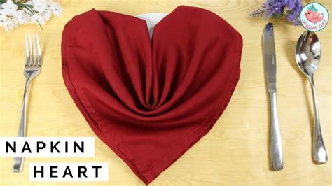 Servietten Falten Herz by Napkin Folding How To Fold A Napkin Into A