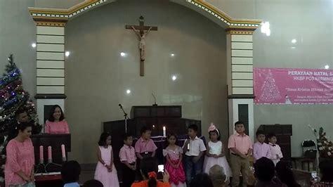 Setelah berpuisi, anak kecil ini bercerita tentang kisah rumah. Votum Natal Sekolah Minggu Bahasa Batak / 35 Ide Prolog ...