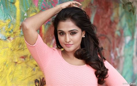 Download Hd Remya Nambeesan Actress Wallpapers For Your