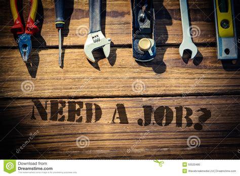 outils de bureau ayez besoin d 39 un travail contre le bureau avec des