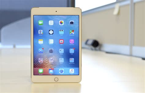ipad mini  review   small tablet  brings apple    game
