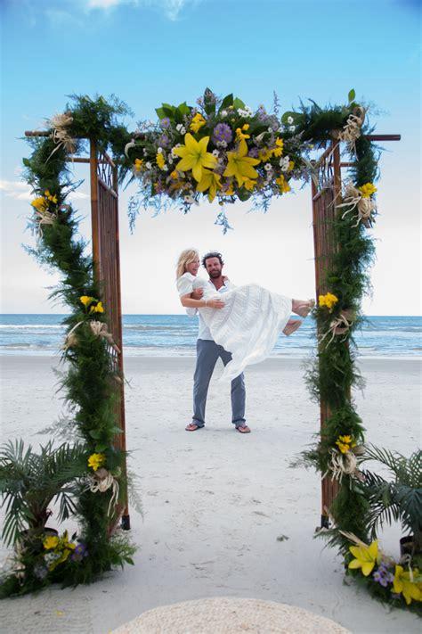 kelli giddish lawrence faulborn beach wedding