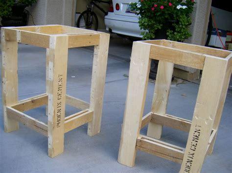 pallet  tables trending ideas  pinterest pallet furniture  tables  diy