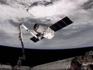 ISS Welcomes SpaceX Dragon — First Private Spacecraft at ...