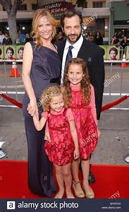 "Leslie Mann, Judd Adatow and children ""Knocked Up ..."