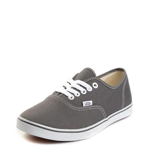 vans authentic lo pro skate shoe journeys