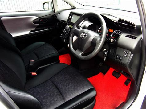 rent  toyota    mpv  ace drive car rental