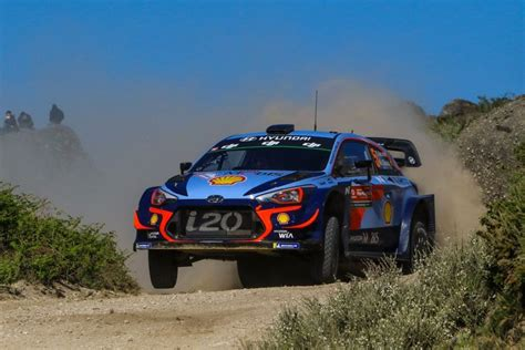 Thierry Neuville Rallye Beinahe Crash by Thierry Neuville Wins The Wrc Crash Festival In Portugal