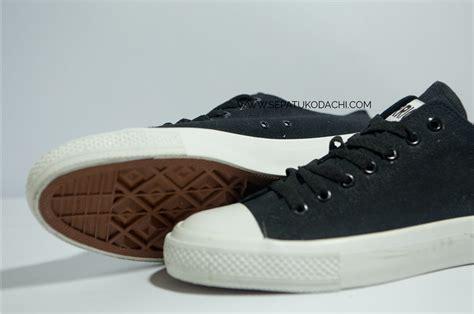 Sepatu Merk Warriors sepatu warrior sparta lc sepatu kodachi