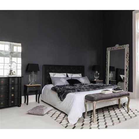 lit avec sommier 160x200 lit capitonn 233 avec sommier 224 lattes 160x200 en velours gris chesterfield maisons du monde