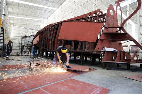 bering   construction  hull truth boating